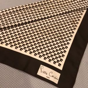 Pierre Cardin vintage polyester scarf
